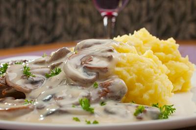 Escalopes-veau-creme-champignon-154