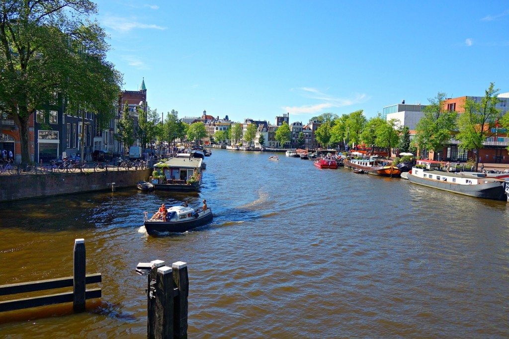 amsterdam-1527295_1280